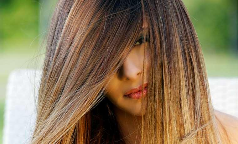 Meches bionde su capelli castani chiari