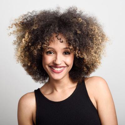 capelli ricci curly stile afro