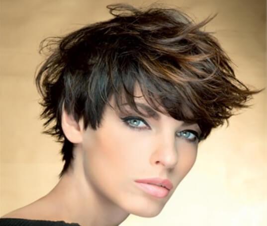 degrade capelli corti castani