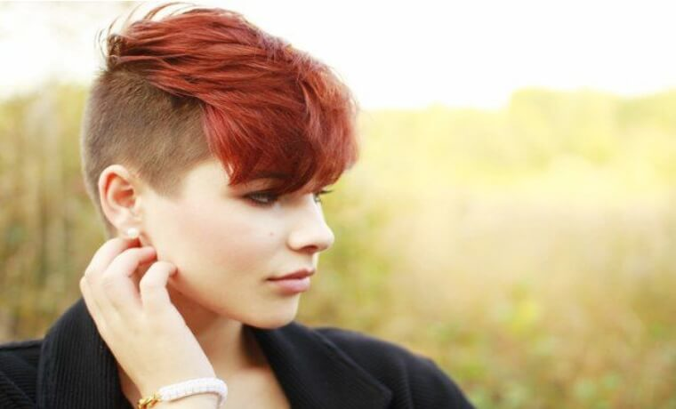 Foto di donne con capelli rasati