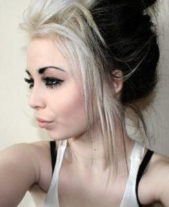 capelli bicolore ciuffo biondo