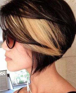 capelli bicolore neri e biondo miele