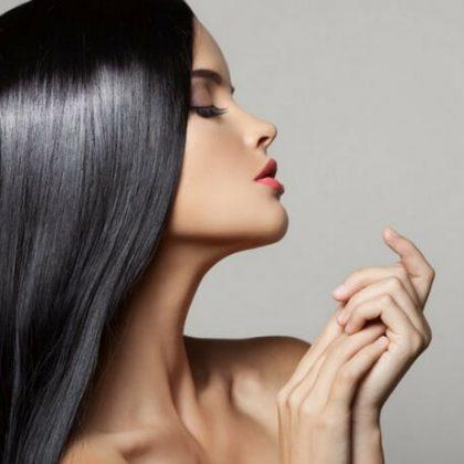 Glossy Hair, i capelli neri lucidi per uno stile rock