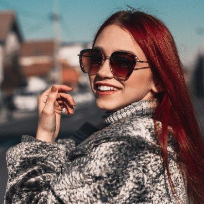 Colore capelli rosso vino: va di moda il Mulled Wine