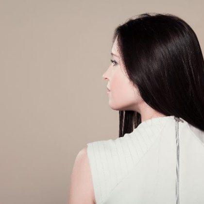 Capelli opachi: come ravvivare il colore e renderli più luminosi