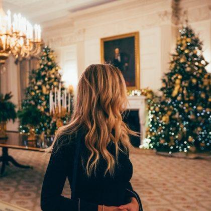Acconciature per Natale semplici e facili per capelli corti e lunghi
